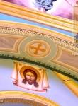 Спас Нерукотворный и орнамент на арке.